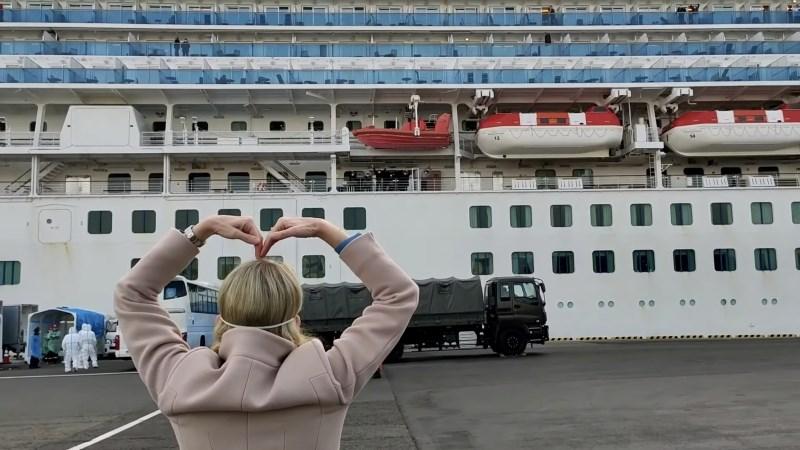 Med okuženimi s koronavirusom tudi slovenska potnika ladje Diamond Princess