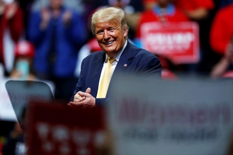 Ameriški obveščevalci ugotavljajo, da skuša Rusija tudi na letošnjih volitvah pomagati Trumpu