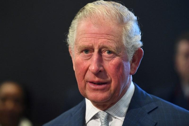 Princ Charles ni preskočil vrste pri testiranju za covid-19