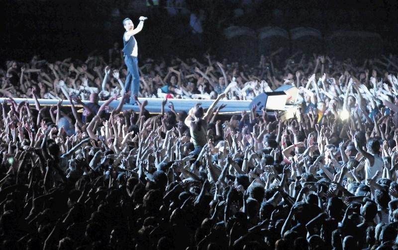 Depeche Mode – Violator 30 let pozneje: Lekcija sladko-zlovešče pop glasbe ali trenutek, ko so se osemdeseta prelomila v devetdeseta