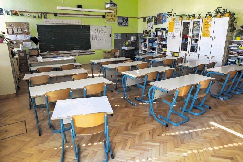 Učence bodo tudi ocenjevali prek računalnikov in telefonov