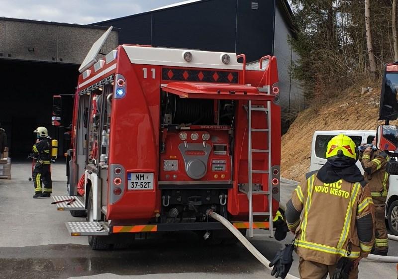 Po požaru v proizvodni hali v Batujah za preko 50.000 evrov škode