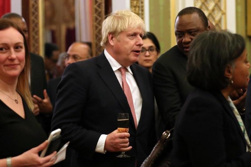 Britanskega premierja Johnsona sprejeli na oddelek intenzivne nege