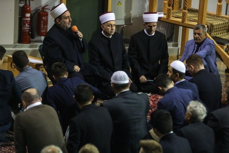 V večini muslimanskih držav začetek ramazanskega bajrama v nedeljo ob strogih ukrepih