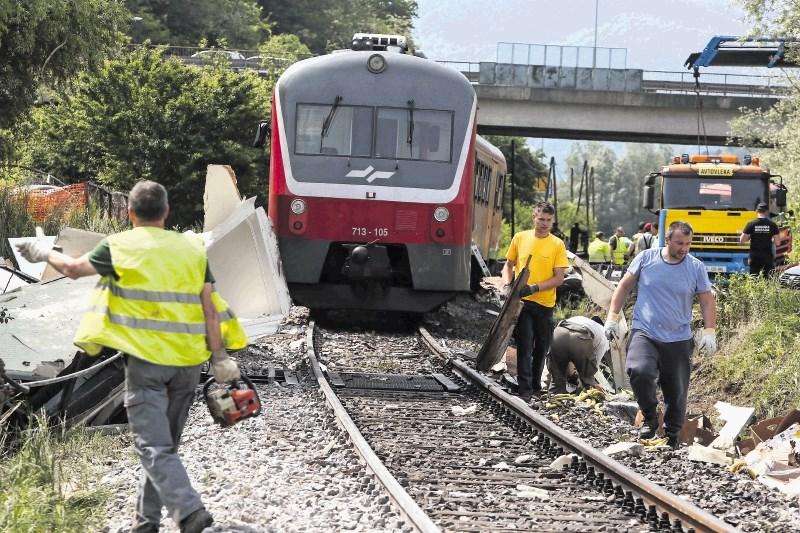 V Ljubljani trčila potniška vlaka