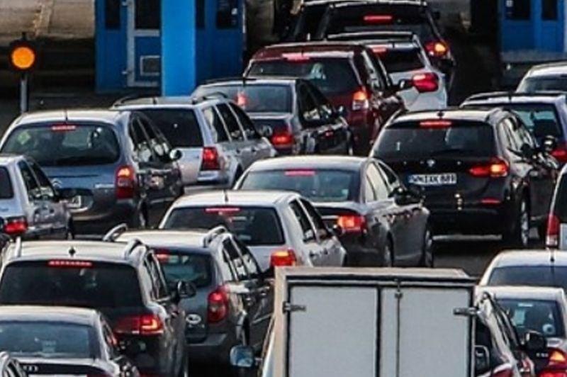 Cestni alarm: Nekoliko povečan promet predvsem v smeri Hrvaške