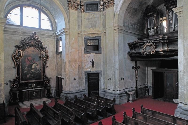 Križevniki bodo za cerkev zahtevali odškodnino