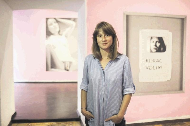 40 let art ljubezni Vlaste Delimar v Škucu: Ali lahko ženska danes sproščeno reče, da si želi seksa?
