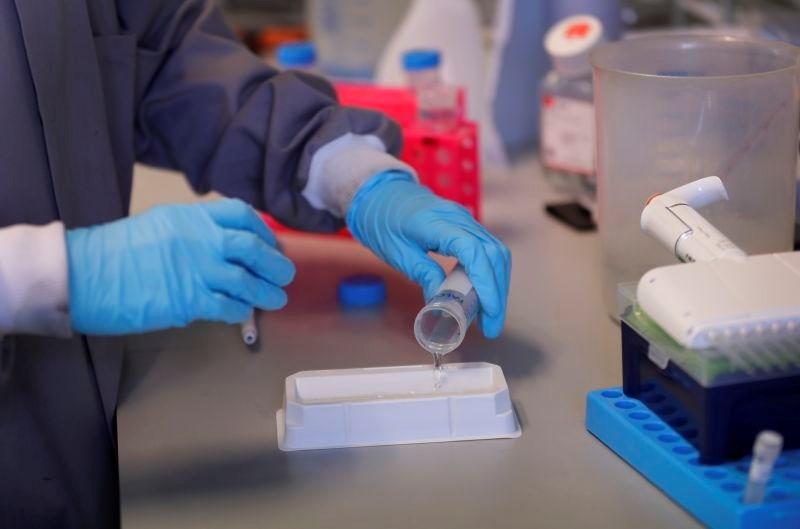 Rusija ima cepivo proti covidu-19, že oktobra množično cepljenje