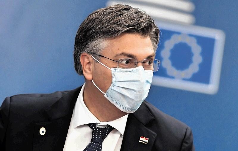Plenković znova zavrnil zahtevo opozicije za napotitev vojske na mejo zaradi migracij