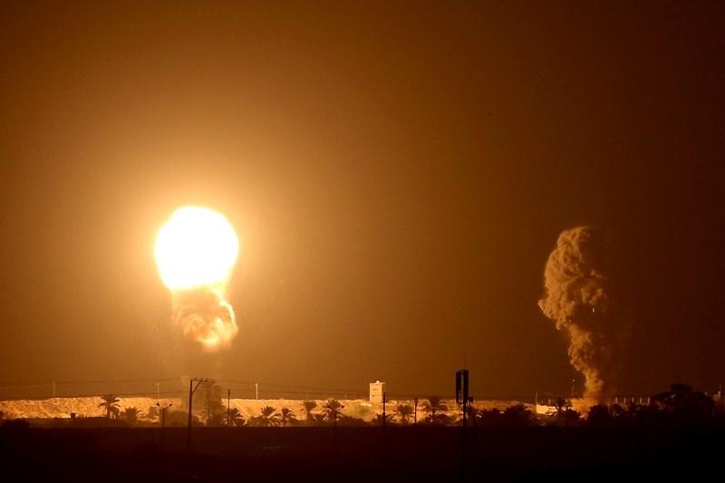 #foto Izrael napadel cilje Hamasa na območju Gaze