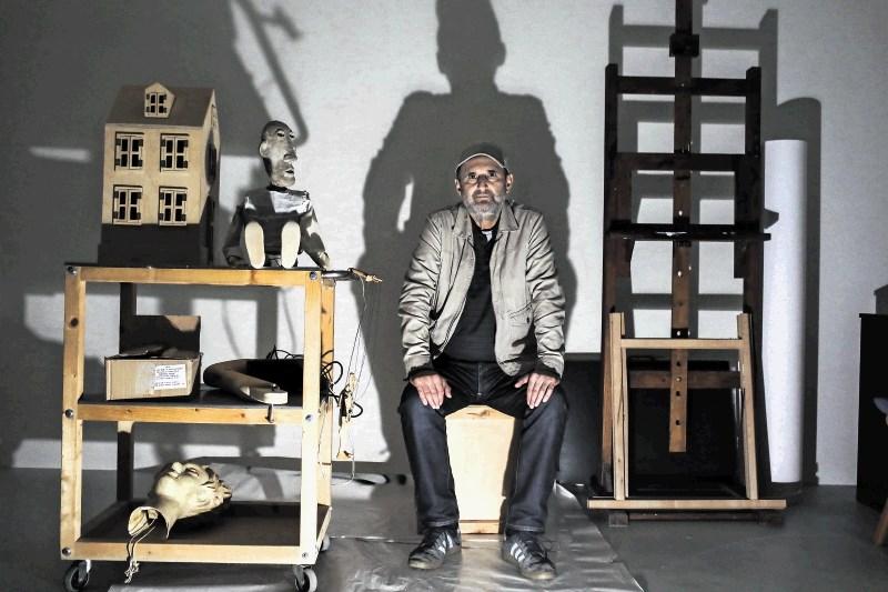 Silvan Omerzu, likovnik, lutkar in režiser: Ni vsaka lutka primerna za razstavo