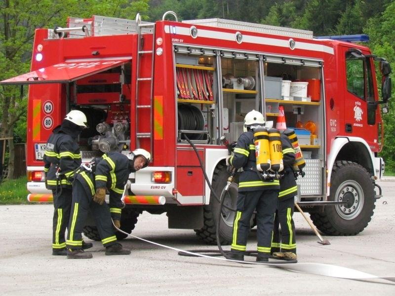 Na pogorišču v Gabrjah gasilci našli mrtvo osebo