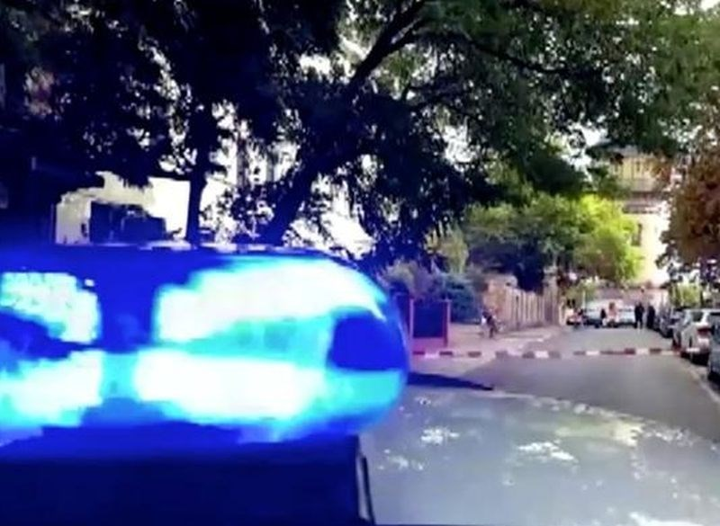 Korošec vozil pijan, uporabljal rotacijske luči in se predstavljal za uradno osebo