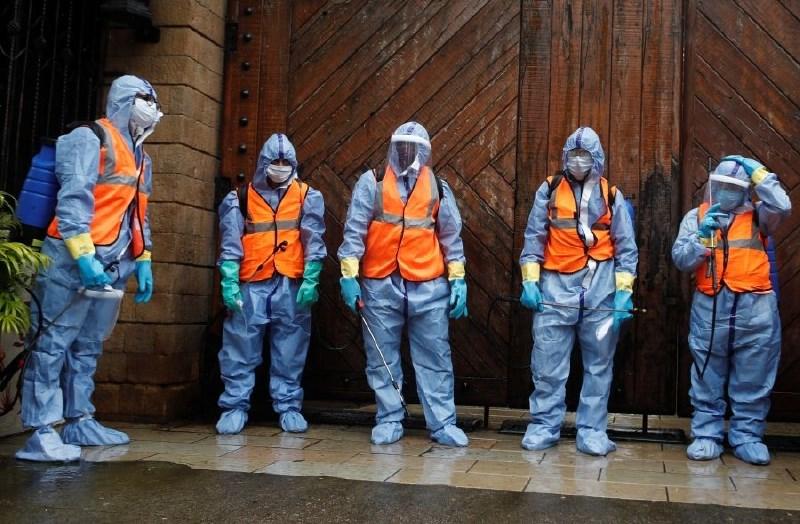 V Italiji kar 18 poslancev pozitivnih na koronavirus