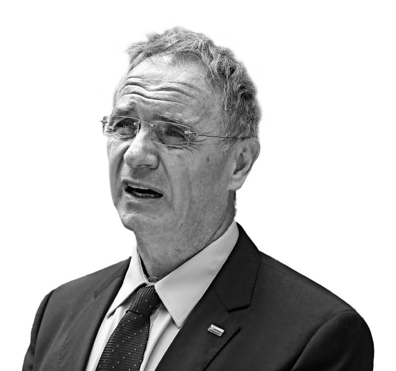 Znamka: Aleš Hojs, minister za notranje zadeve