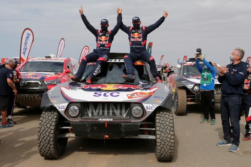 Peterhanslu in Benavidesu zmagi na Dakarju, Marčič do 36. mesta