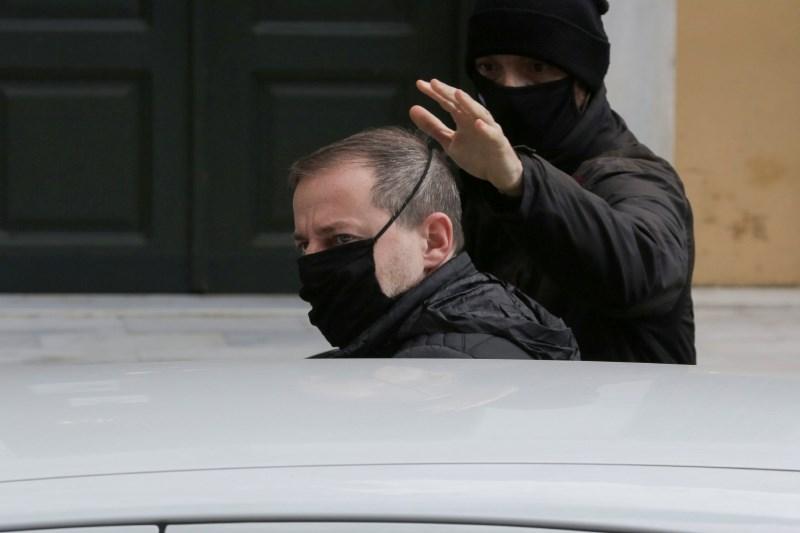 Grški #jaztudi segel do direktorja narodnega gledališča
