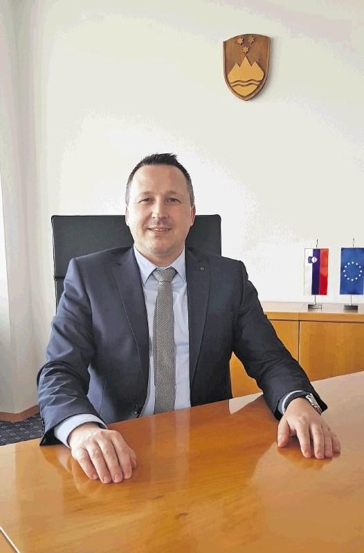 Ministru Jožetu Podgoršku je pobegnil edini državni sekretar