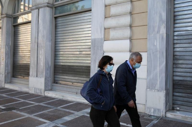 V več italijanskih deželah zaostritev protikoronskih ukrepov, na Sardiniji sprostitev