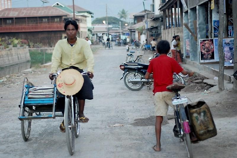 V Mjanmaru našteli že več kot 700 ubitih po državnem udaru