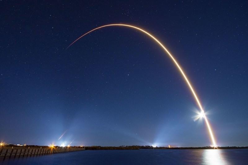 Deli kitajske rakete bodo v prihodnjih dneh nenadzorovano padli na Zemljo