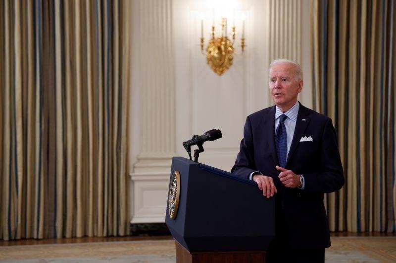 Biden: Do 4. julija bomo z vsaj enim odmerkom cepili 70 odstotkov prebivalcev ZDA