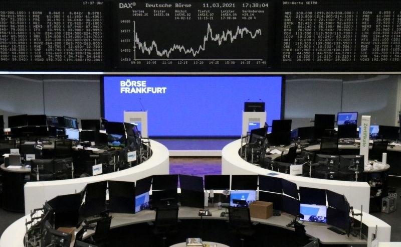 Borzni komentar: Inflacija se krepi, globalno gospodarstvo tudi