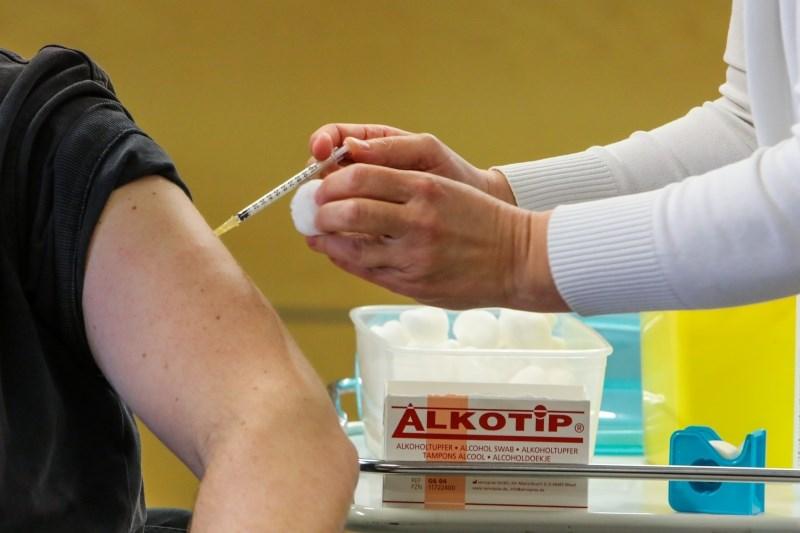 Po spremenjenem semaforju sproščanja ukrepov pogoj prebolevnosti, cepljenja ali negativnega testa tudi v zeleni fazi