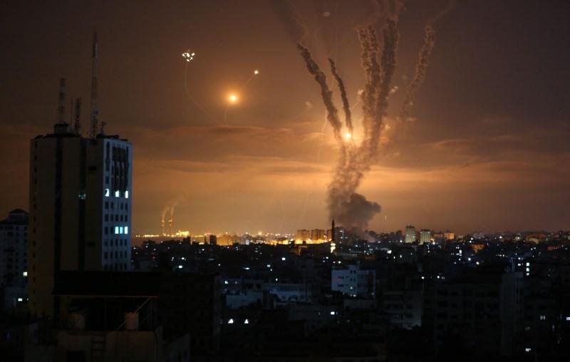 Izrael okrepil napade na Gazo