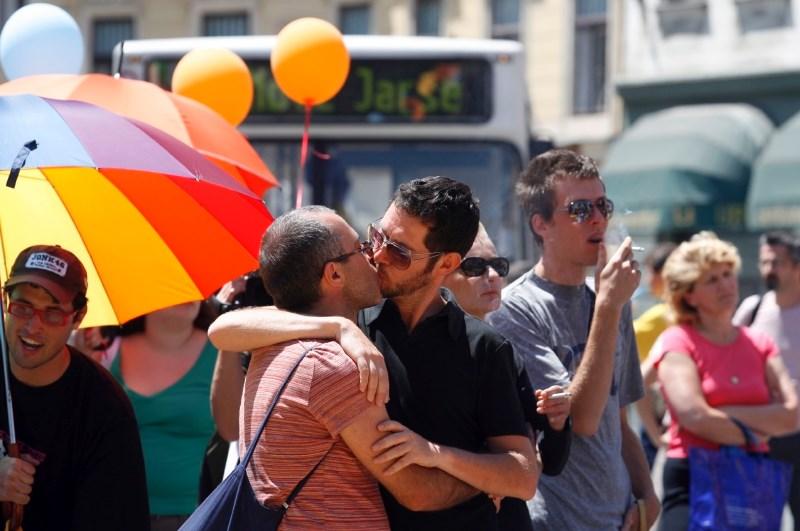 Na Madžarskem za prepoved promoviranja homoseksualnosti v šolah