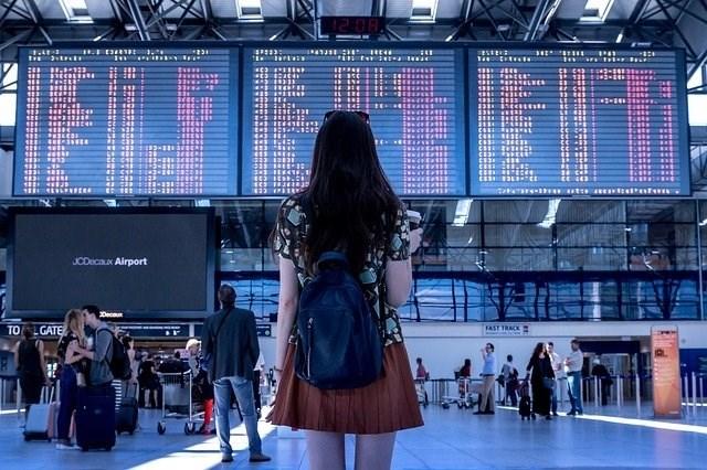 Veleposlaniki EU potrdili novo priporočilo glede omejitev potovanj v Evropi