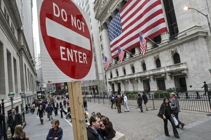 Pandemija covida-19 znižala pričakovano življenjsko dobo v ZDA