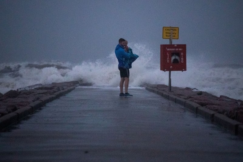 Teksas in Louisiano ogroža orkan Nicholas