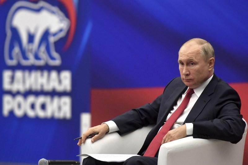 Putin v samoizolaciji, vendar popolnoma zdrav