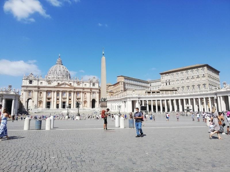 V Vatikan od 1. oktobra le s covidnim potrdilom