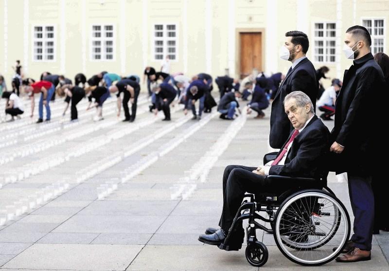Bolni češki predsednik bo ob pristojnosti