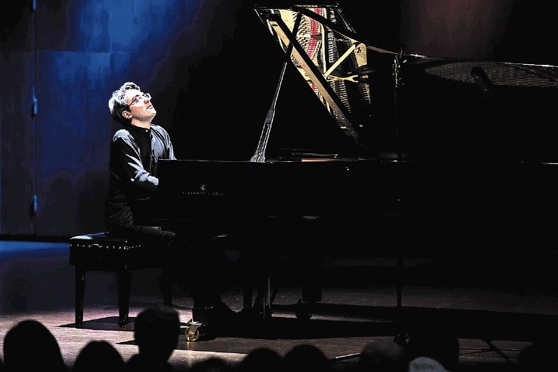 Drugo mesto pianista Aleksandra Gadžijeva na slovitem Chopinovem tekmovanju