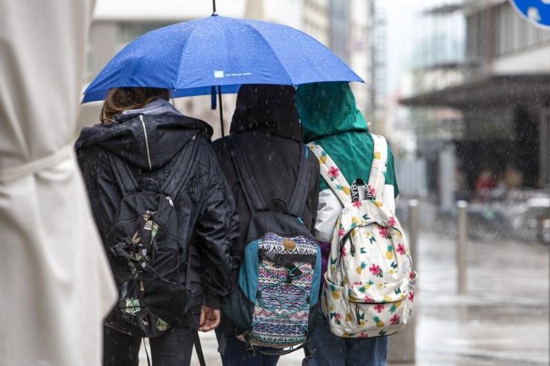 Vreme: Ponoči bodo padavine prehodno zajele vso Slovenijo