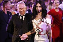 Na glamuroznem Life Ballu zablestela Conchita Wurst (foto in video)