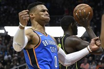 #video Russell Westbrook do stotega trojnega dvojčka v ligi NBA