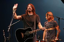 Foo Fighters z dodatnim koncertom v puljski Areni