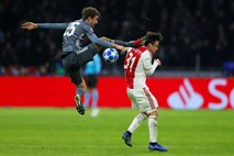 #video Thomas Müller kot Jackie Chan