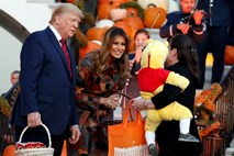 #video Melania in Donald  kot Morticia in Gomez Addams