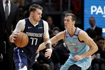 #video Dragić in Miami pokvarila Dončićev rojstni dan